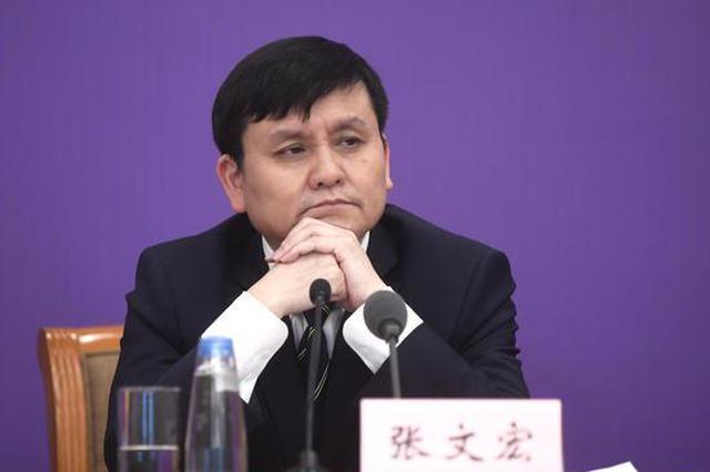 张文宏:疫情防控进入新节点,现阶段仍需保持好社交距离