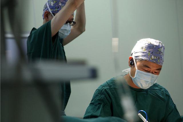 男童手术4年后频频尿血 院方回应已尽责
