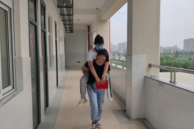 """""""00后""""励志女孩陈雨欣:愿""""一条腿也能走遍天下"""""""