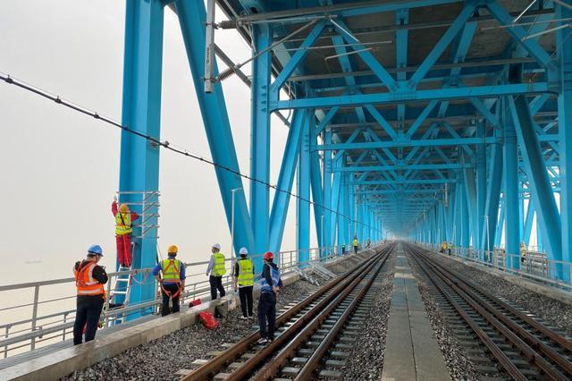全国首座使用5G信号高铁大桥!沪苏通大桥正式通车