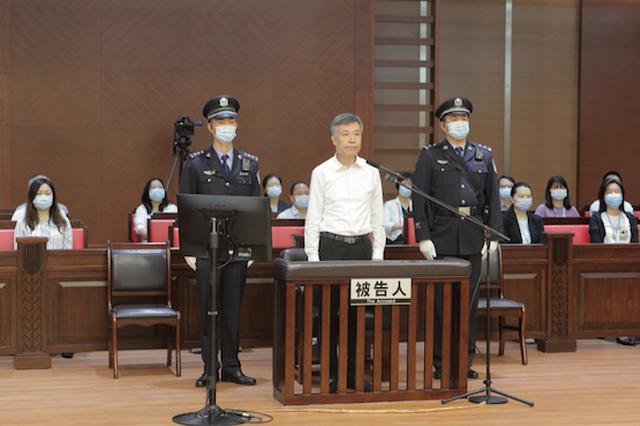 海南省委原常委、海口市委原书记张琦被控受贿1.07亿