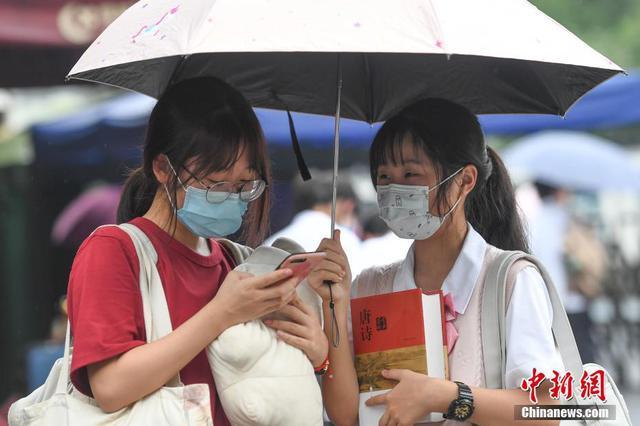 江苏省高考网上评卷全面展开 7月12日至16日模拟填报志愿