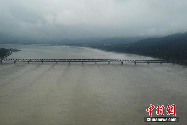 江苏省长江防汛应急响应提升至Ⅲ级