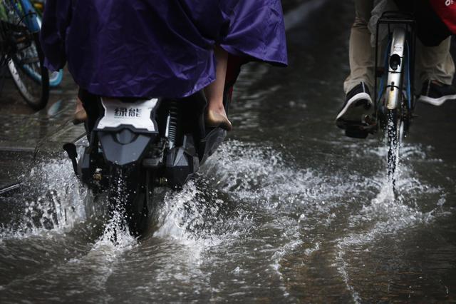 长江流域明起强降雨回归 南方多地将暴雨如注