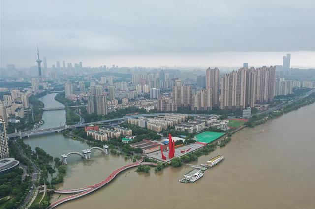长江南京站水位超警戒1.35米 最高潮位列历史第三