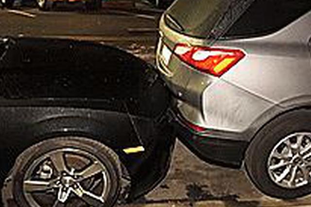 女司机披一头秀发开窗驾车 风吹乱头发遮住眼致车祸