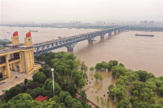 江苏45站水位超警超保 长江南京站潮位涨至10.39米