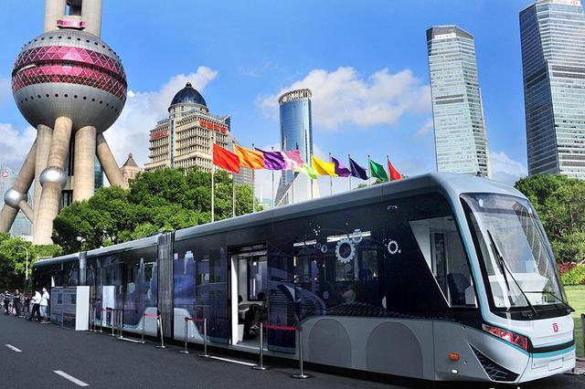 全球首列数字轨道胶轮电车亮相上海