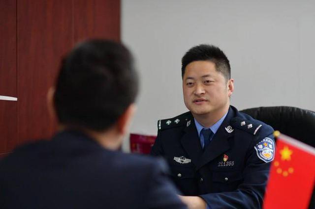 从警8年 他成为江苏警队最年轻的派出所所长