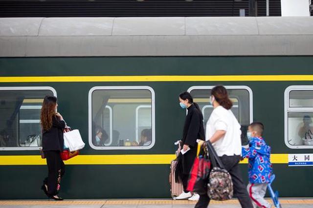 国庆长假结束 中国铁路发送旅客12687万人次