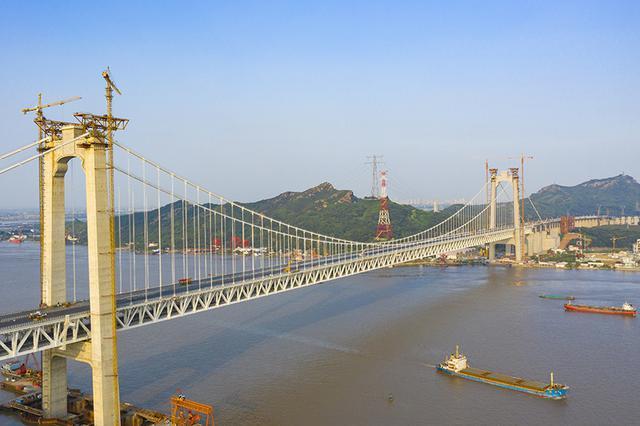 世界首座高速铁路悬索桥 五峰山长江大桥通车倒计时