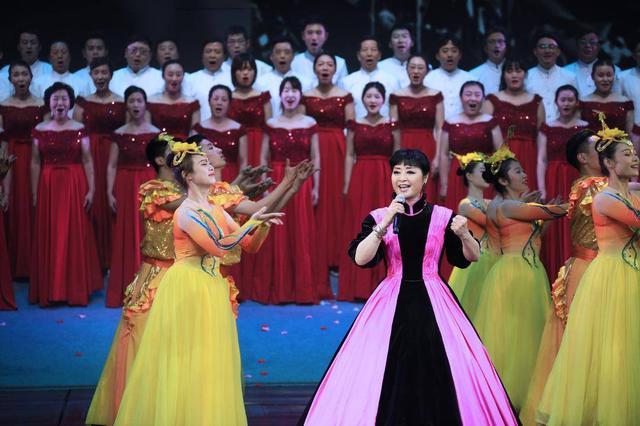 第十一届中国曲艺牡丹奖在苏州颁奖