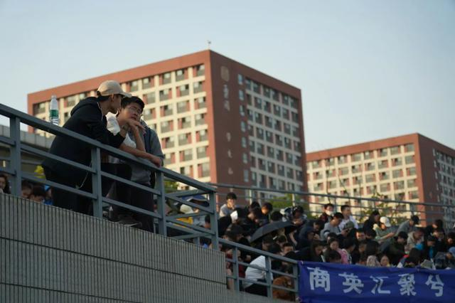 资深外交官詹永新受聘南大兼职教授,曾任中国驻以色