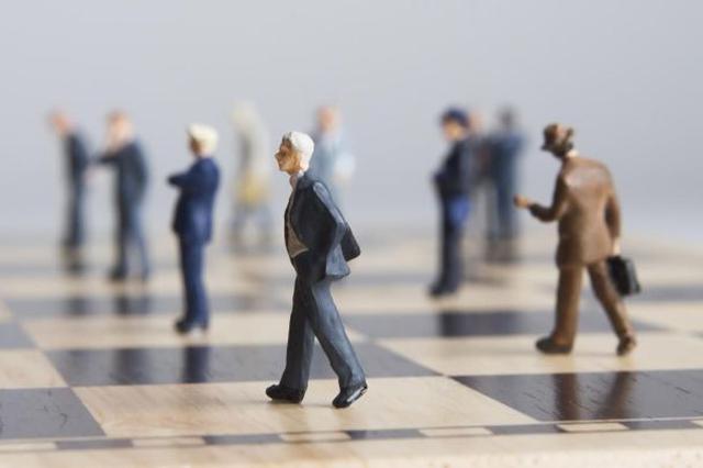 """延迟退休会产生""""挤出效应""""吗 专家:对年轻人影响有限"""
