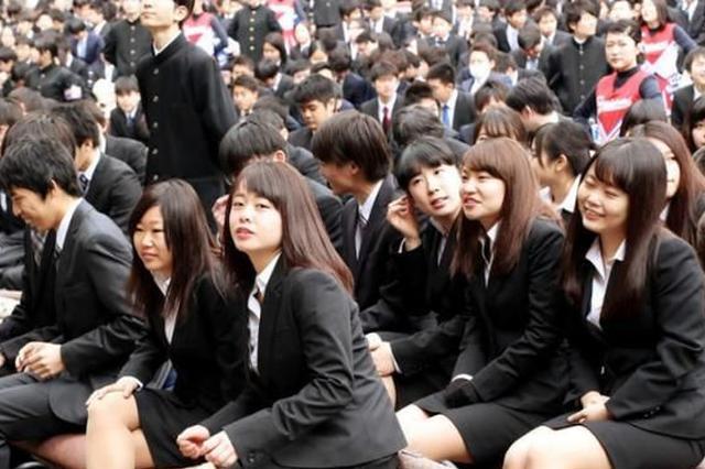 """河海大学125名博士研究生被清退,新华社:""""混""""文凭,没戏了"""