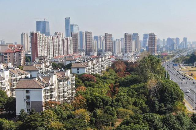 五年内连跨3个万亿台阶,江苏去年经济总量达10.27万亿