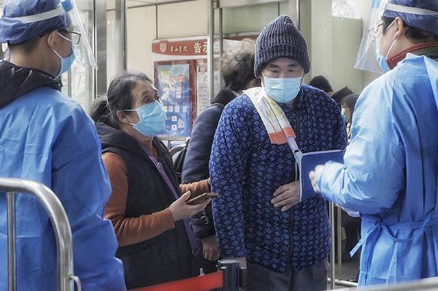 """山东""""扯被子救人""""被砸伤者到上海做二期手术 预计明日入院"""
