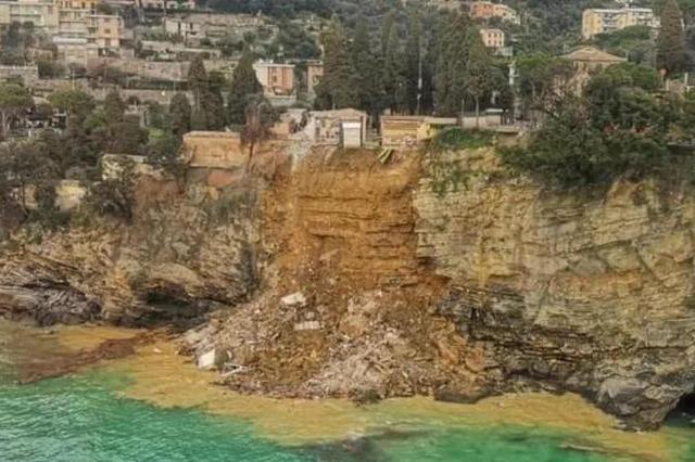意大利一公墓遭山体滑坡破坏,数百具棺材和尸体被冲走