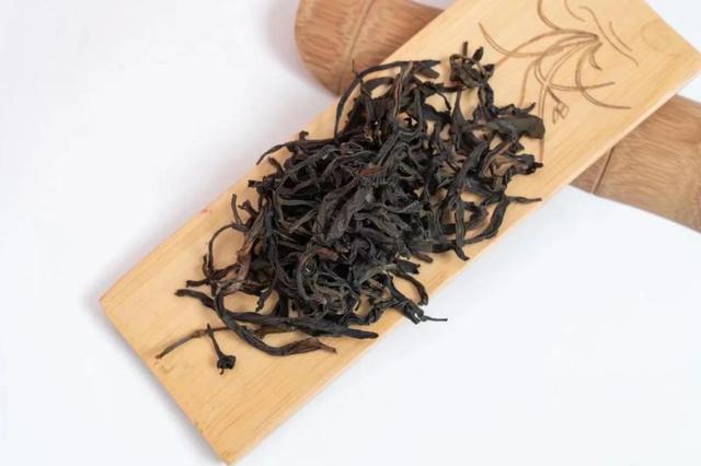一斤茶暴涨至48万元 谁是幕后推手?