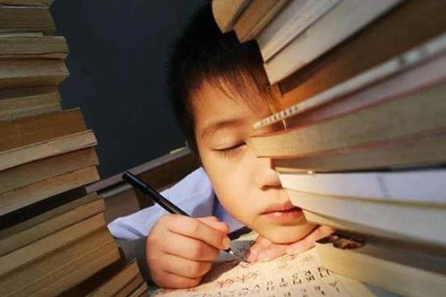 最新调查:中国超八成中小学生睡眠时长未达标
