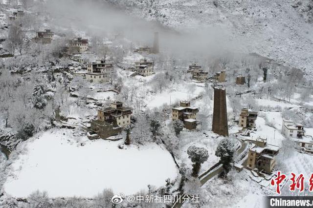 """瑞雪兆丰年 四川丹巴""""美人谷""""迎春雪"""