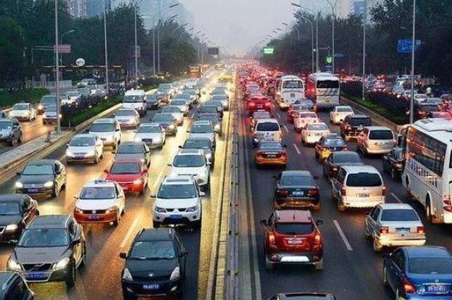 出行需求叠加、多地阴雨,公安部发出清明节道路交通安全预警