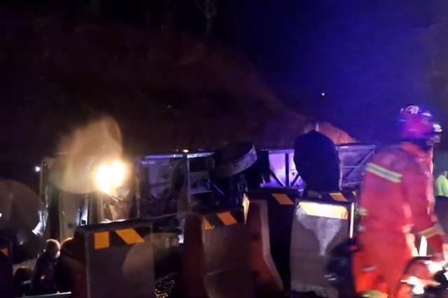 沈海高速11死19伤交通事故原因初步查明 前车轮胎脱落为诱因