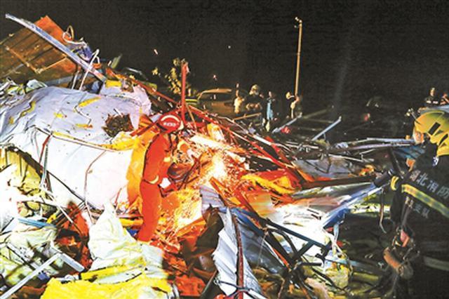 江苏苏州龙卷风致4死149伤,电力部门正紧急抢修电路