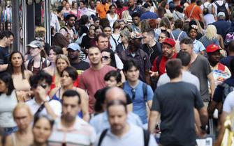 """美国1980年后出生者首次成""""人口主力"""""""