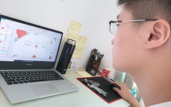 江理工商学院志愿者录制微课助力小学生生存教育