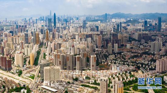 2020年8月26日拍摄的深圳市区(无人机照片)。