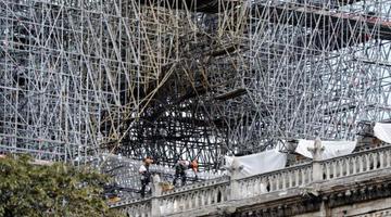 巴黎圣母院维修工程重新启动