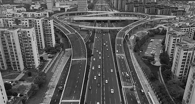规划中的浦仪(浦口-仪征)公路起于江北新区的浦泗立交