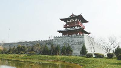 隋唐洛阳城南城墙遗址西角楼现状。本报记者 史一棋摄