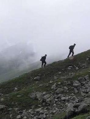 6驴友被困雪山1人身亡