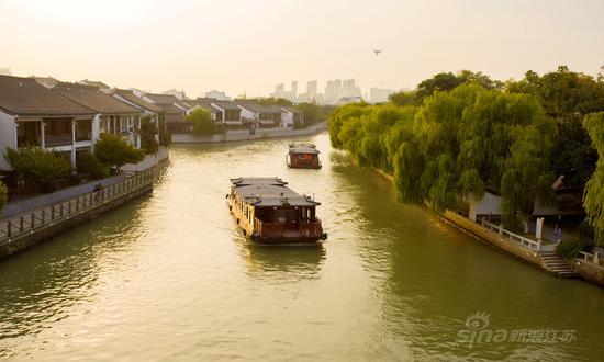 夕阳下的苏州古运河