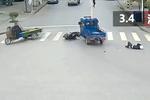 电动三轮车撞人逃逸 热心市民驾车掉头追堵肇事者