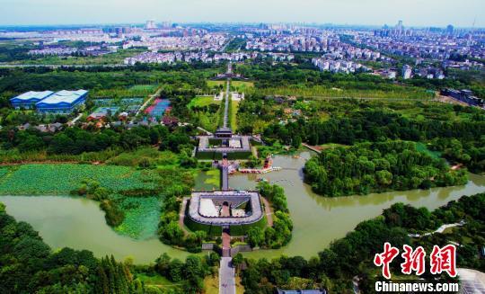图为宋夹城体育休闲公园。 崔佳明 摄