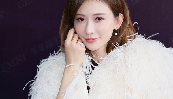 女神林志玲惊喜现身南京 助阵爱情许诺见证季