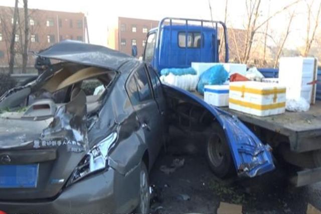 常州一路面结冰致7车相撞 1人死亡
