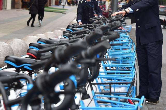 """小蓝单车在宁能否""""复活"""" 滴滴表示:还需等等"""