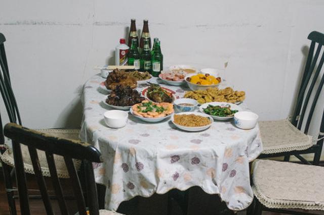 除夕日一家三口疑似食物中毒 镇江警方紧急施援相救