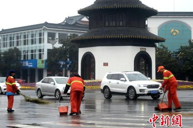 扬州古城少了鞭炮更宁静干净 年味依然浓郁