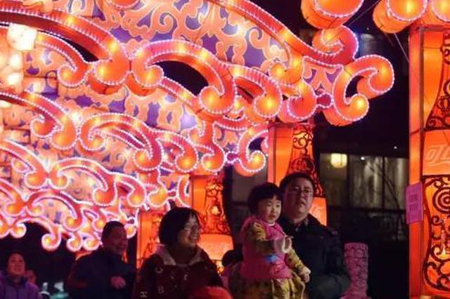 夫子庙灯会期间 南京公交多条线路绕行