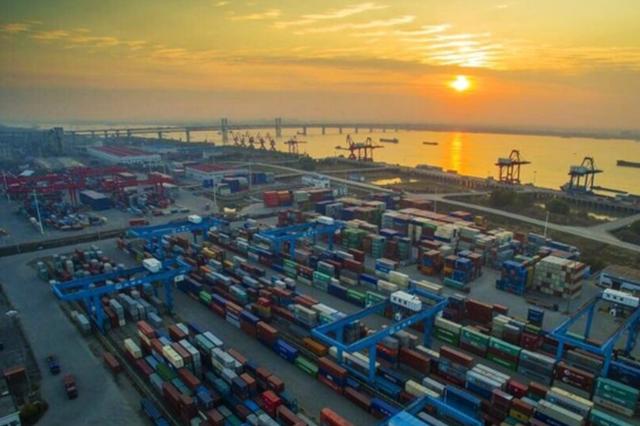 """江苏外贸由""""大""""求""""优"""" 前两月进出口增长15%"""