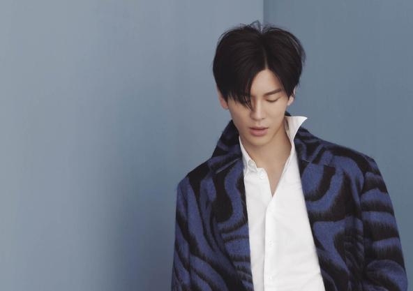 王嘉登《风度》封面
