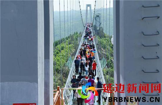 中秋假期总结:游客喜欢在景区团圆