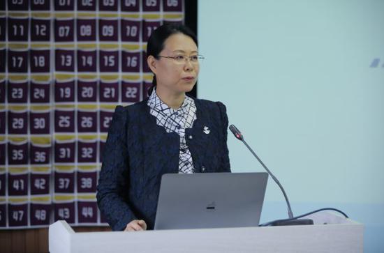 北京冬奥组委文化活动部副部长高天致辞