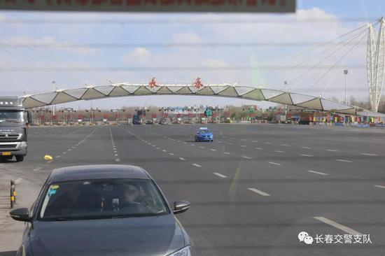 预计年末,吉林大路快速路主线将实现通车,整体工程将于2020年12月完工。