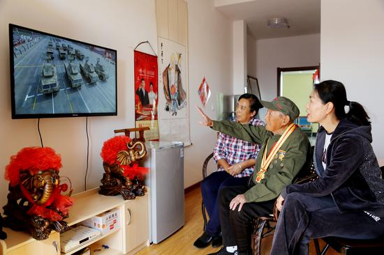 105岁抗战老兵的阅兵情结